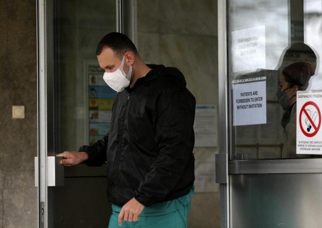超過2.000的新感染者,導致34人死亡