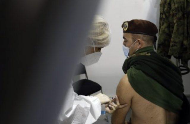 塞爾維亞為何接受中國的COVID-19疫苗